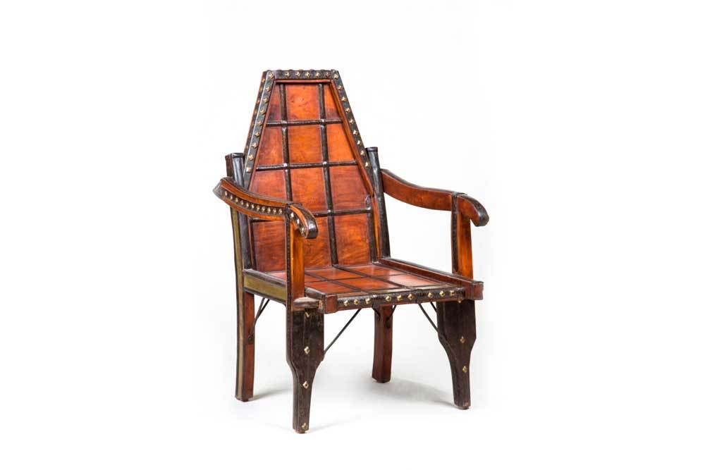 F99 Low Chair