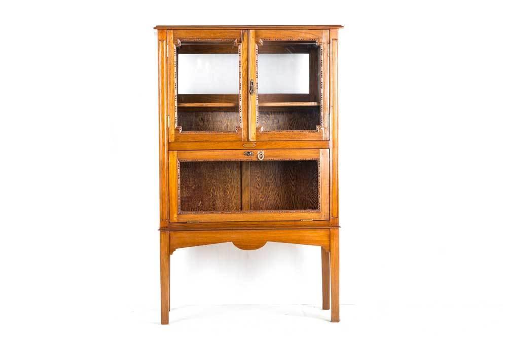 F587 Display Cabinet