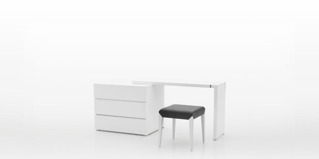 Dresser Chest & Desk Set
