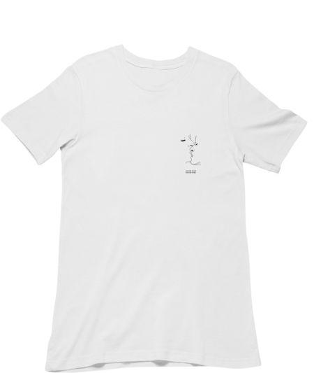 kiss me slow, kiss me hard. (T-Shirt)