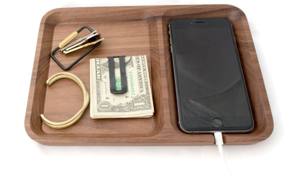 solid walnut rectangle quarterview 1024x1024 - 15 Valet Trays to Organize Your EDC: What's your choice?