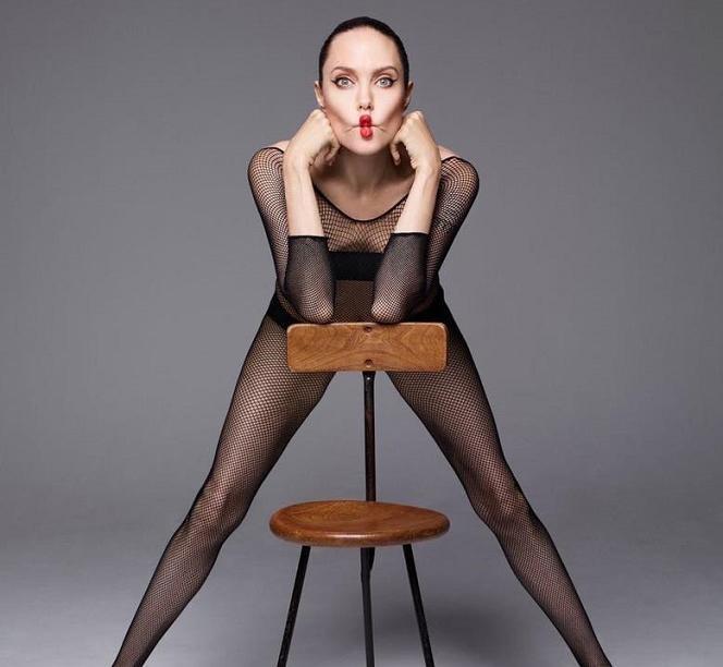 Анджелина Джоли напугала фанатов худобой