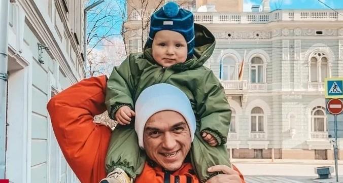 Влад Топалов растрогал поклонников серьезным и нежным посланием сыну