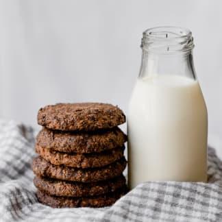 Keto Cookies: Triple Choc Chip