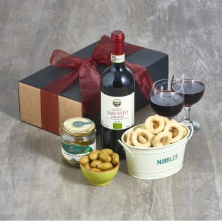 Nibbles & Red Wine Hamper