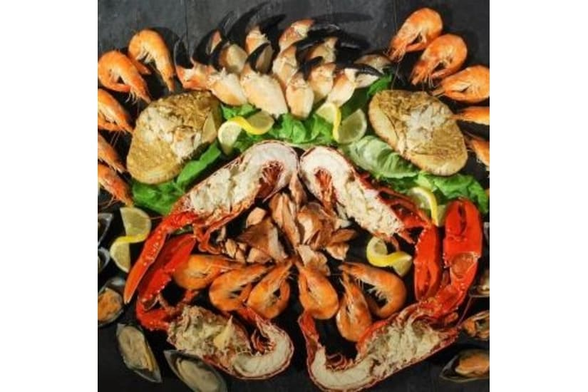 Luxury Seafood Platter for 6 to 8