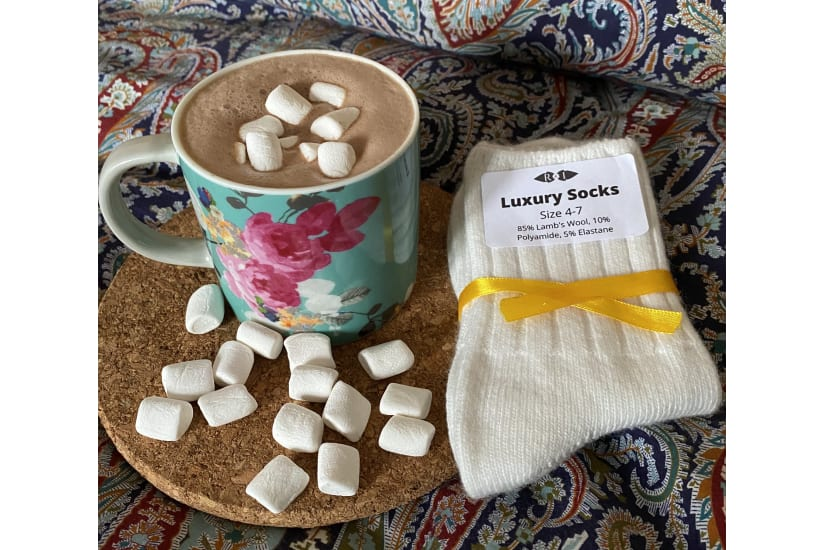 Hot Chocolate Letterbox Cosy Gift Mallows Chai Choc and Socks *Free Delivery