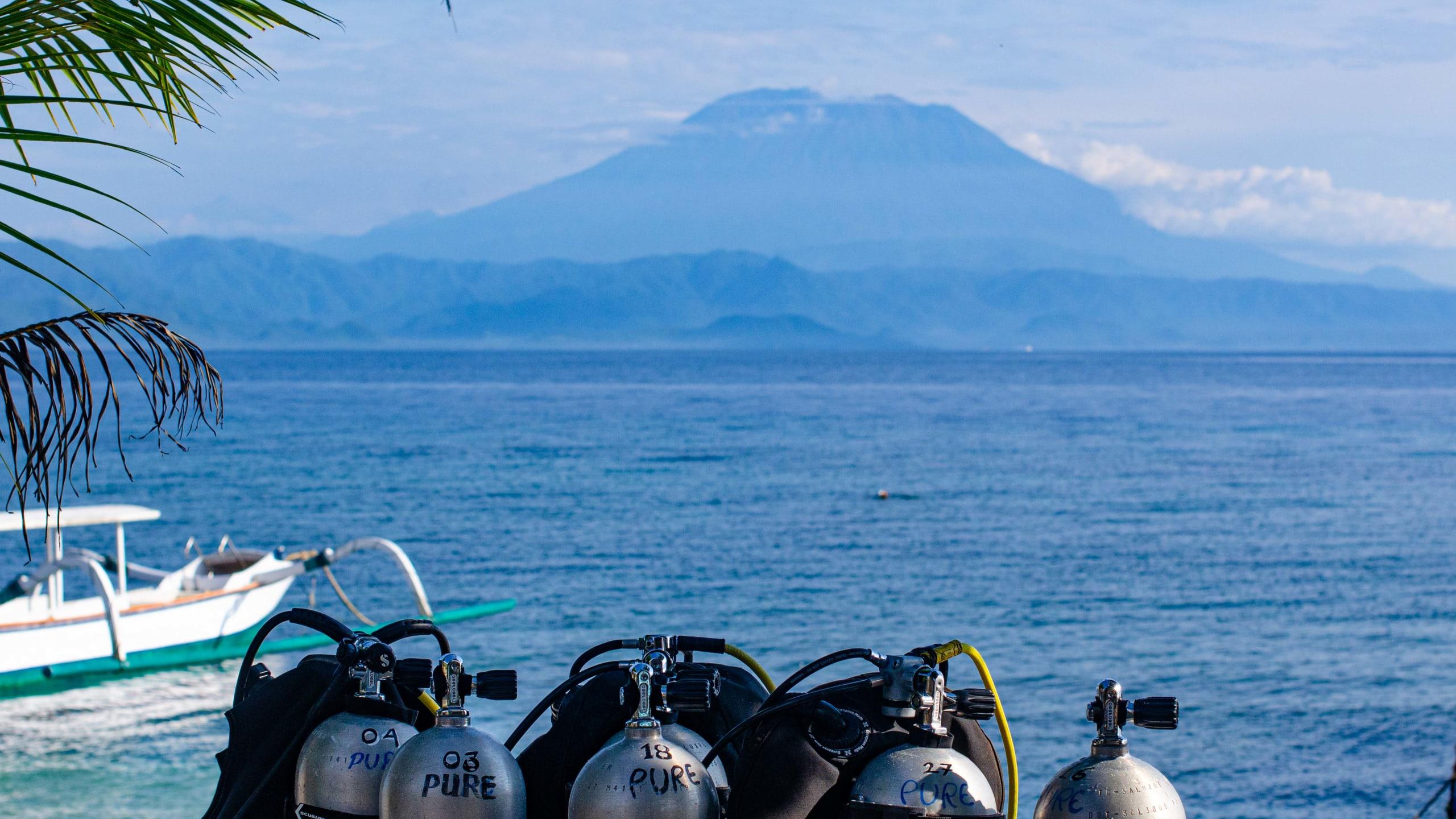 Morning preparation for Penida diving