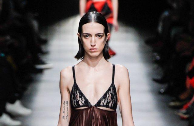 Показ Christopher Kane на Неделе моды в Лондоне
