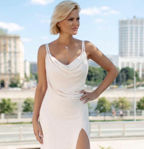 В Днепре для посетителей концерта российской певицы Ирины Круг устроили «коридор позора»