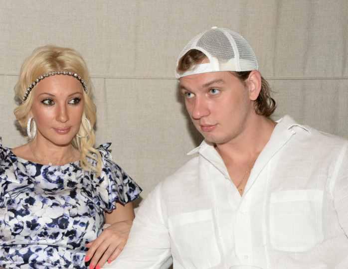Лера Кудрявцева отправила дочь и мужа за город после теста на коронавирус