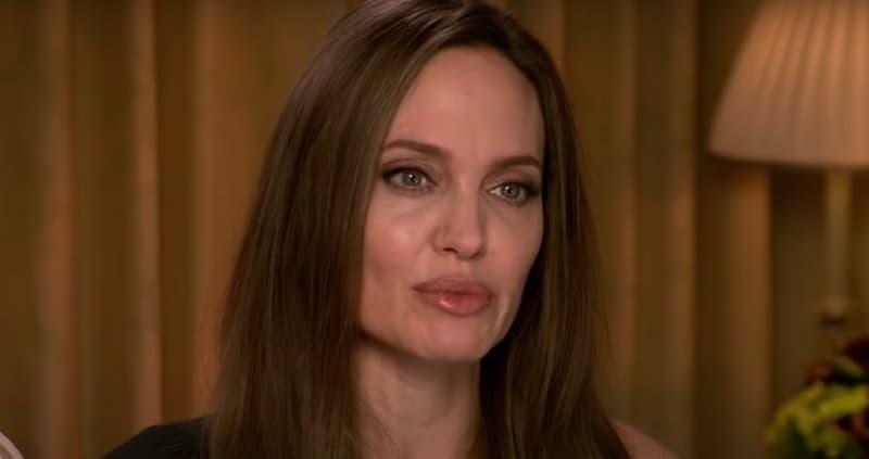 Анджелина Джоли намекнула, что развод ее сильно травмировал