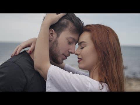 Max Fernandez - Desnuda (Video Oficial) | Cumbia 2018