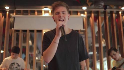 Hula - Me Atrapó (Video Oficial) | Cumbia Pop
