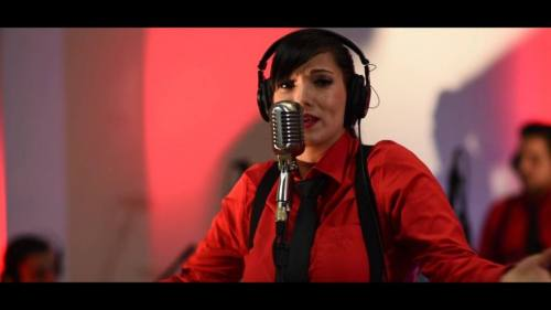 Néstor En Bloque - Vete De Mis Sueños (Versión Cumbia) Video Lyric Oficial + MP3   Nestor En Bloque