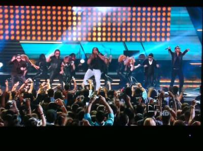 La Formula De Pina Records Se Impone Con Su Musica En El Escenario De Premios Juventud   General