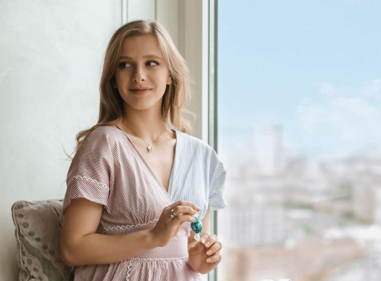 Волшебная фея осени: Лиза Арзамасова очаровала фанатов новыми фото