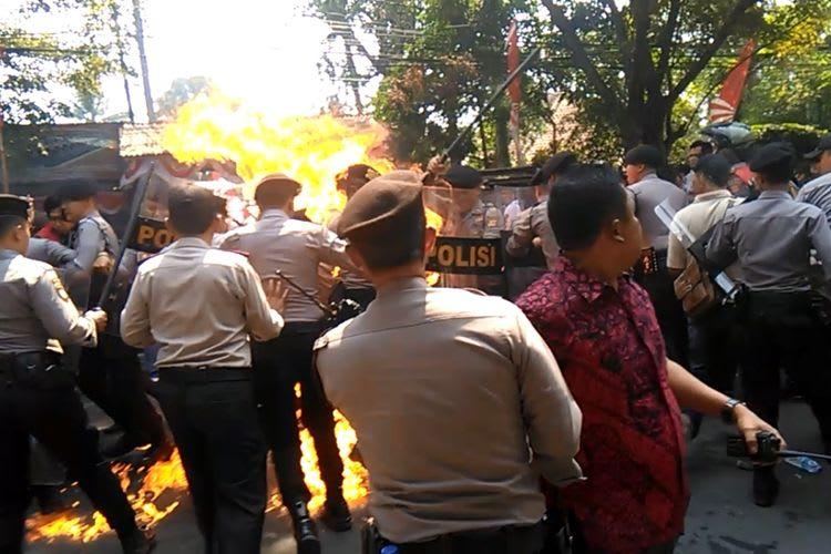 %name Ridwan Suryana, 'Pahlawan' Pada Demonstrasi Mahasiswa Cianjur, Sungguh Mulya Hatimu!