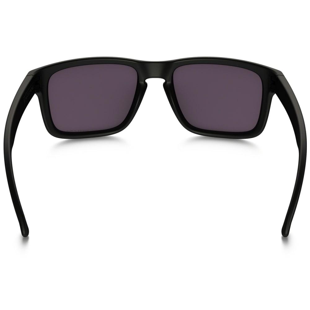 OAKLEY Holbrook Sunglasses, Matte Black - Matte blk prizm pol