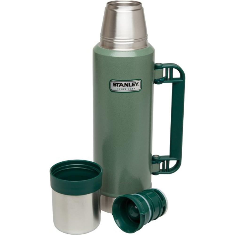 STANLEY 1.4 QT Classic Vacuum Bottle - HAMMERTONE GREEN