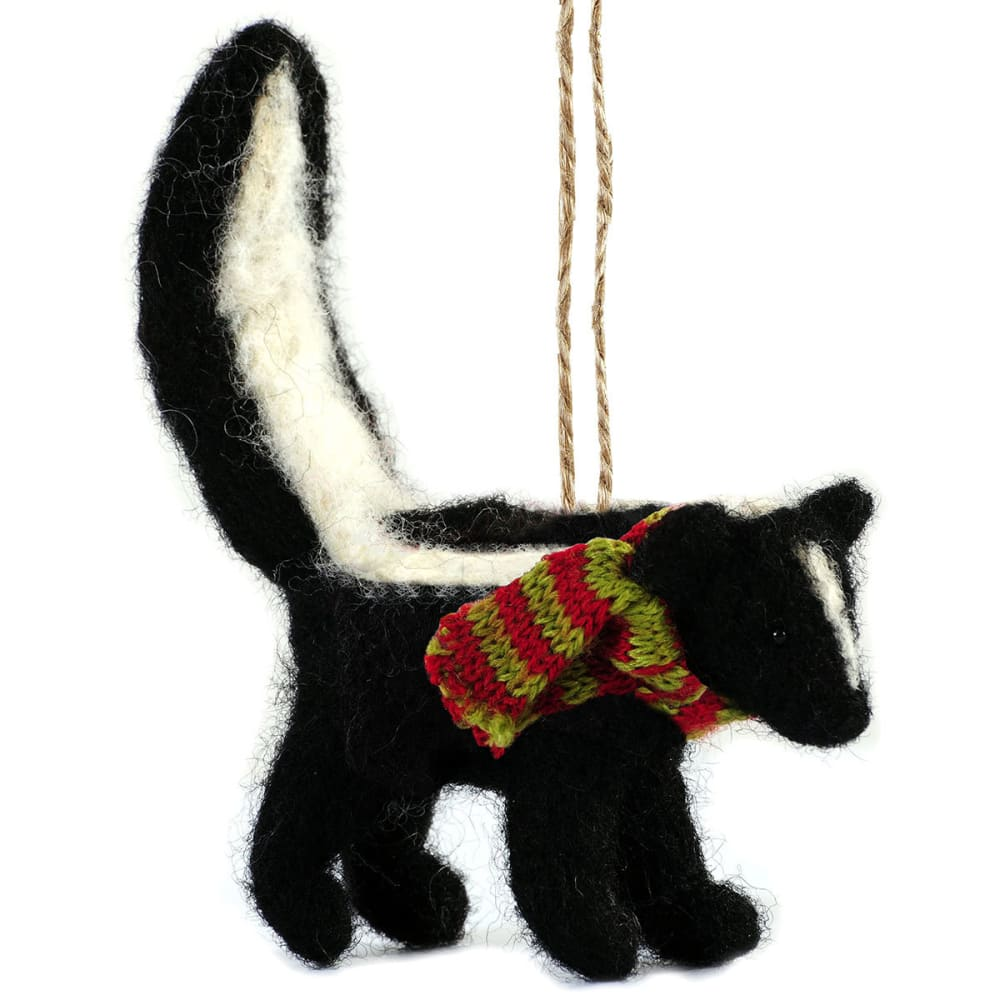 GSI OUTDOORS Felted Skunk Ornament - BLACK