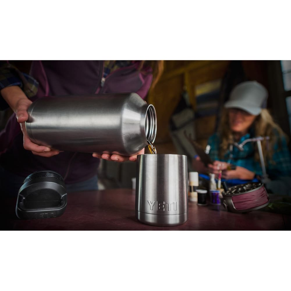 YETI 64 oz. Rambler Bottle - STAINLESS STEEL