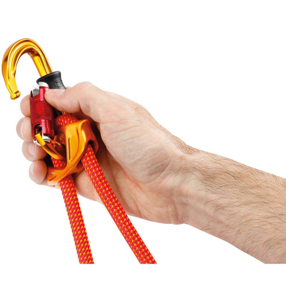 PETZL Sm'D Ultra-light Asymmetrical Twist Lock Carabiner - ORANGE