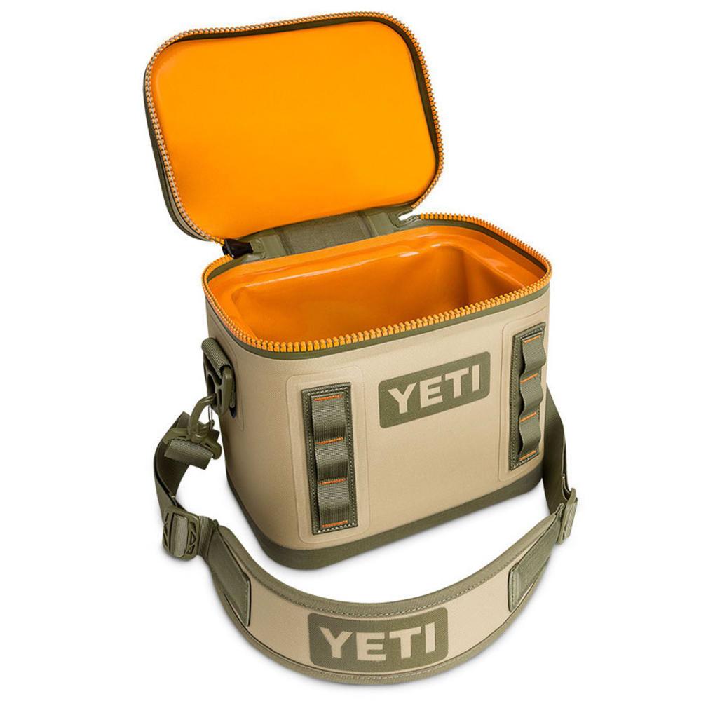 YETI Hopper Flip 8 - FIELD TAN