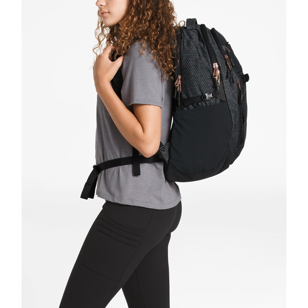 70a286e60 THE NORTH FACE Women's Surge Backpack