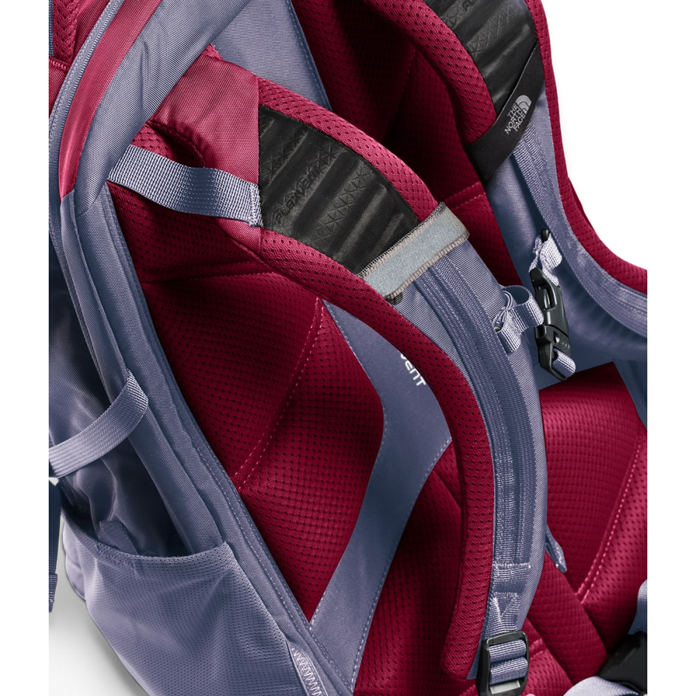 THE NORTH FACE Women's Recon Backpack - RUMBA RED/GREY-5YX