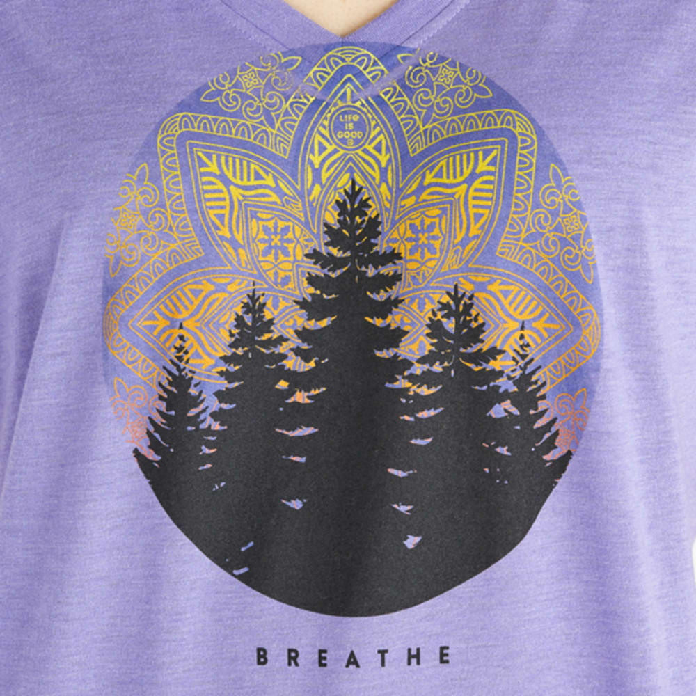 LIFE IS GOOD Women's Mandala Landscape Cool V-Neck Tee - MISTY PURPLE