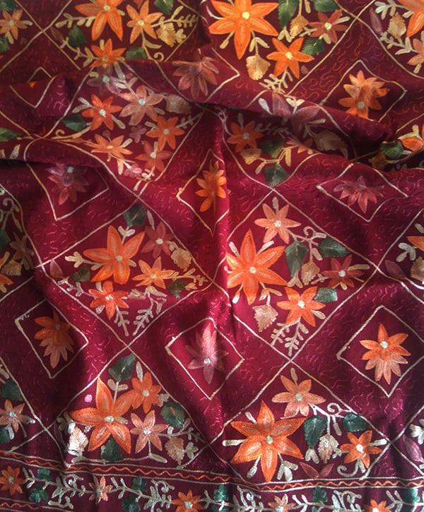 embrodrey-shawl-red-flower
