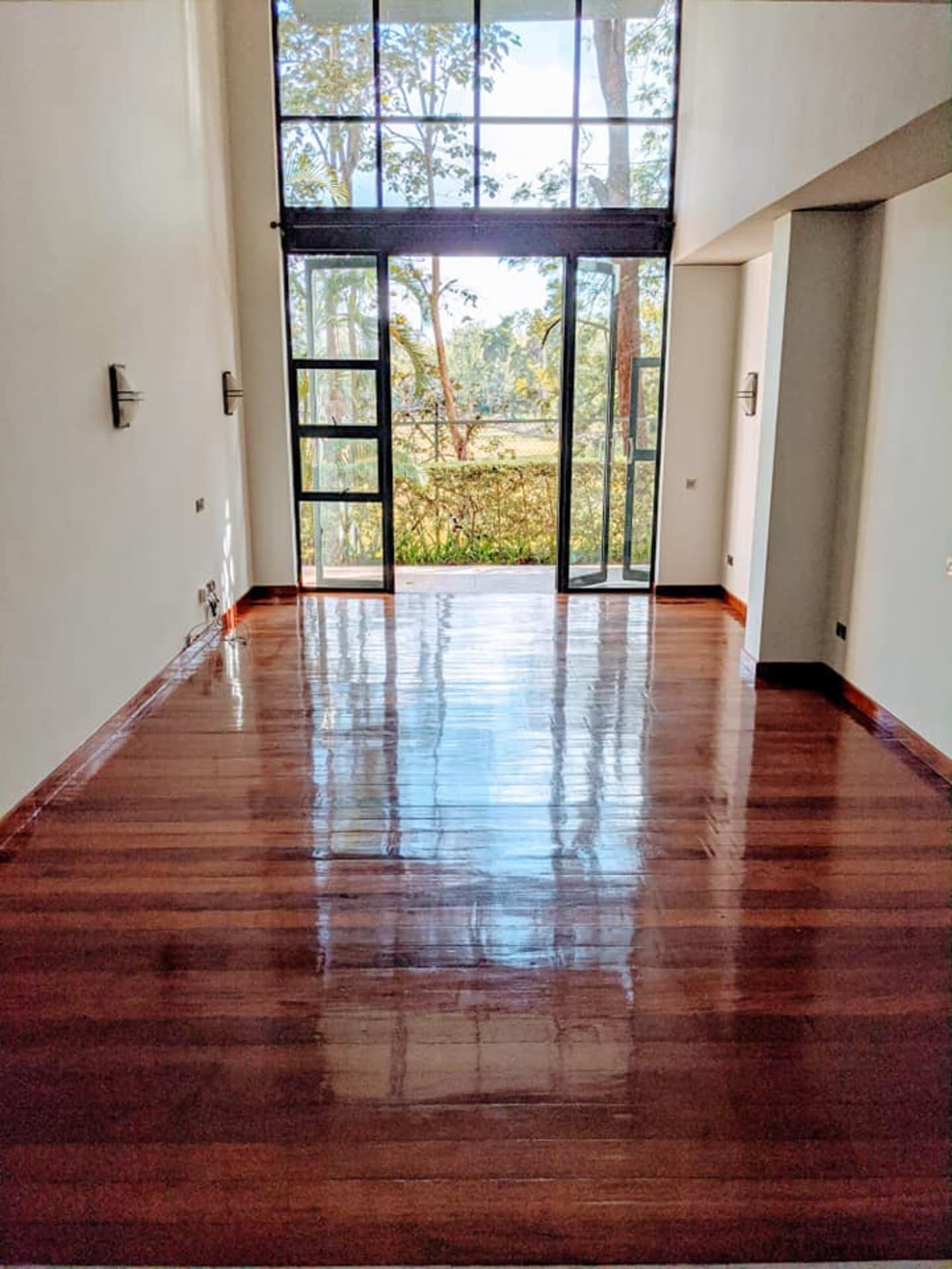 property gallery item