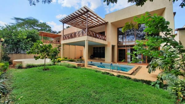 5 Bedroom Villa in Lavington