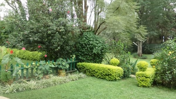 2 Bedroom Furnished Cottage in Lavington
