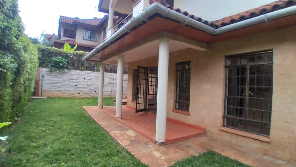 4 Bedroom Townhouse in Spring Valley