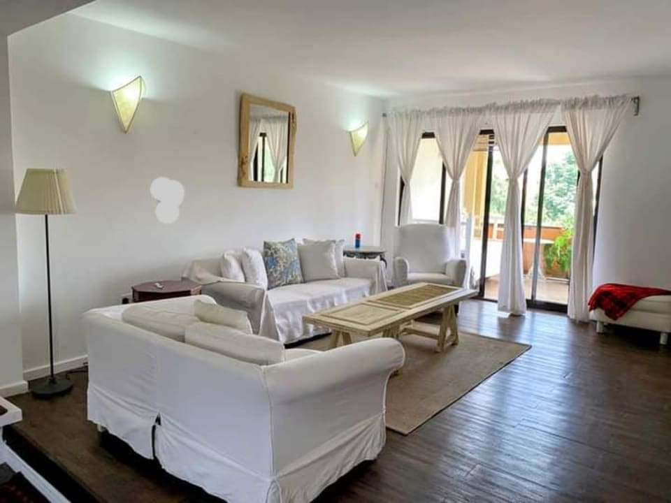 3 Bedroom FURNISHED and SERVICED Apartment in Kileleshwa