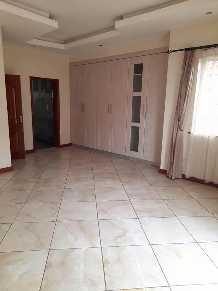 Unfurnished 2 Bedroom apartment in Kilimani