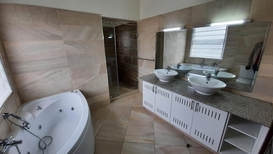 3 Bedroom Unfurnished Apartment in Kilimani