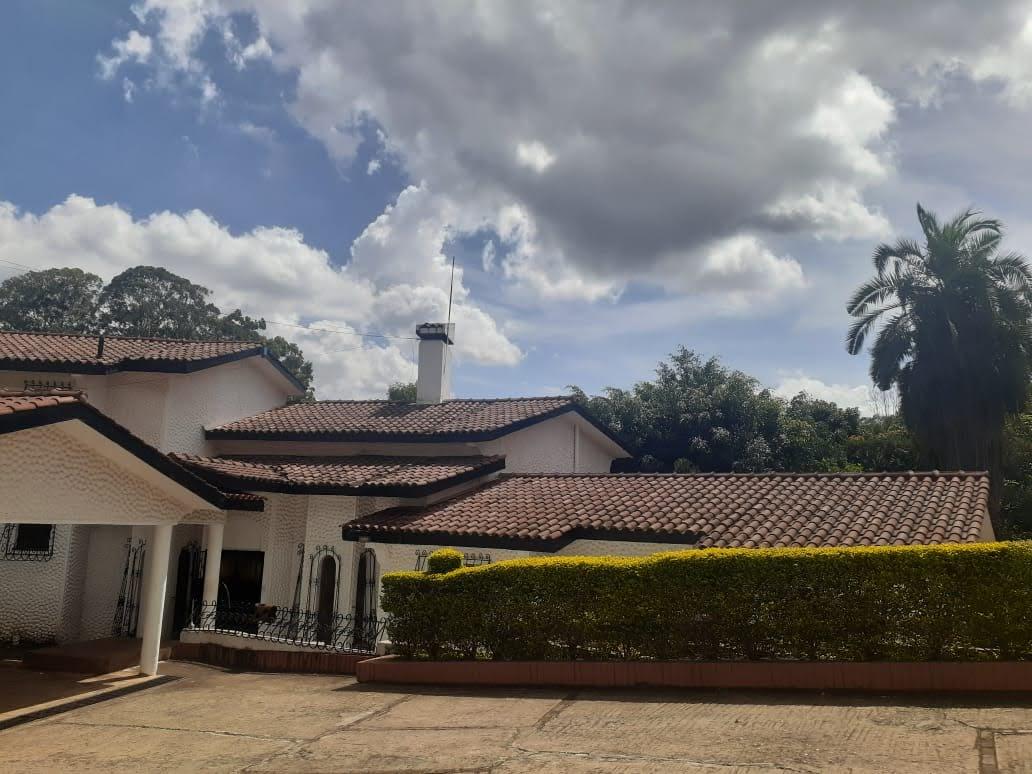 4 Bedroom House in Nyari
