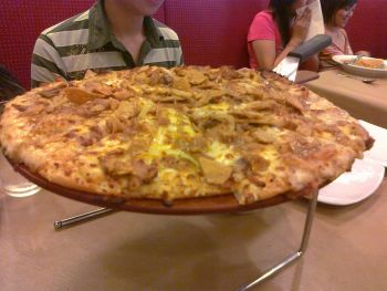 Pizza Hut - Lechon Pizza