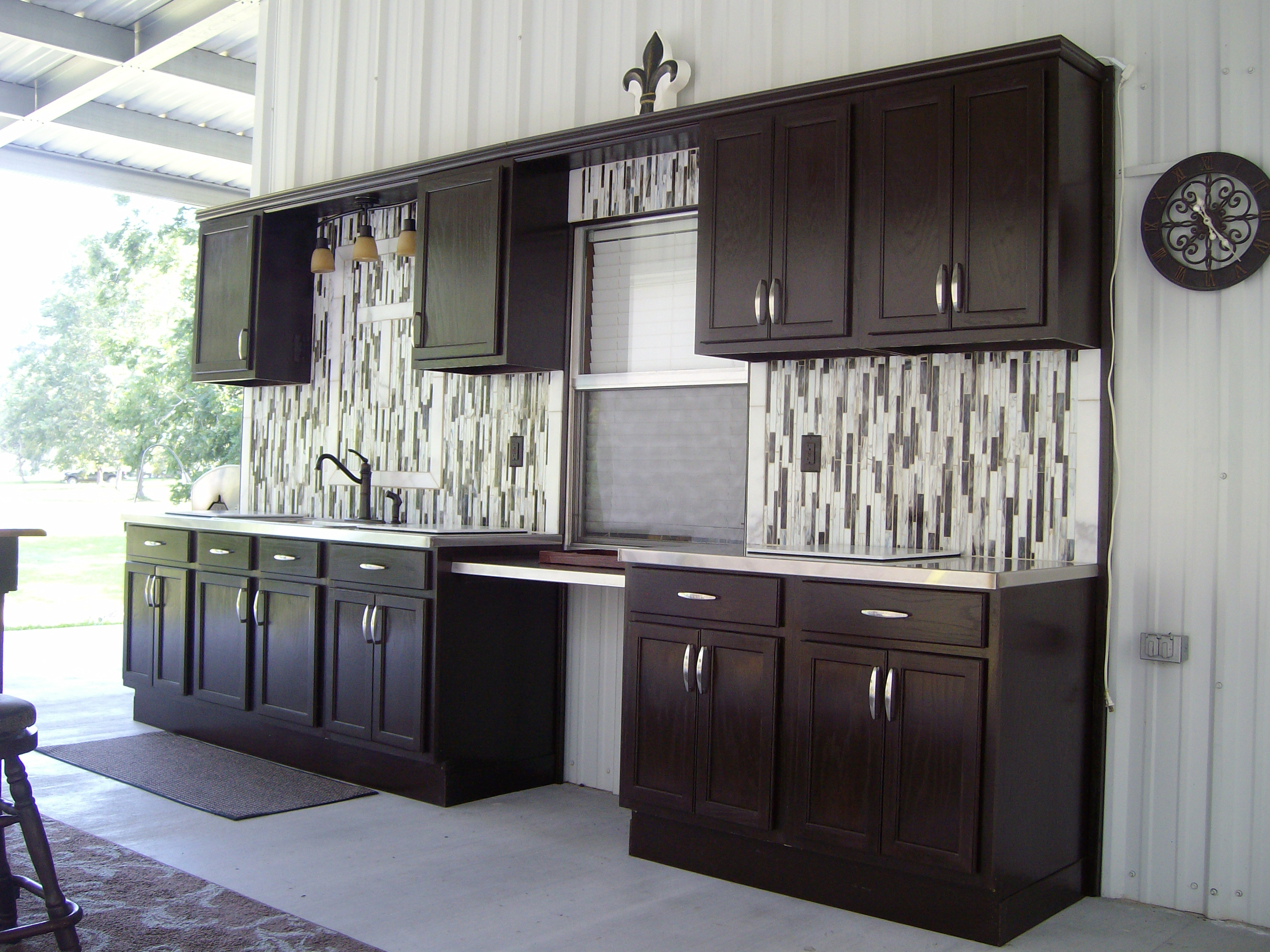 Pre assembled cabinets bargain outlet for Pre assembled cupboards
