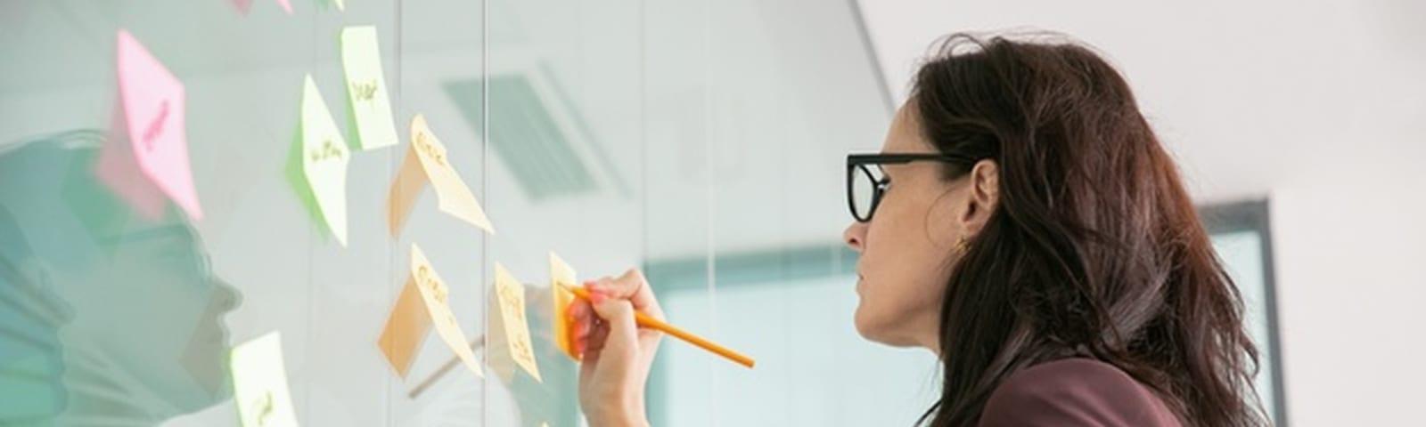 Imagem de destaque do post 4 ferramentas de design thinking para consultoras de imagem
