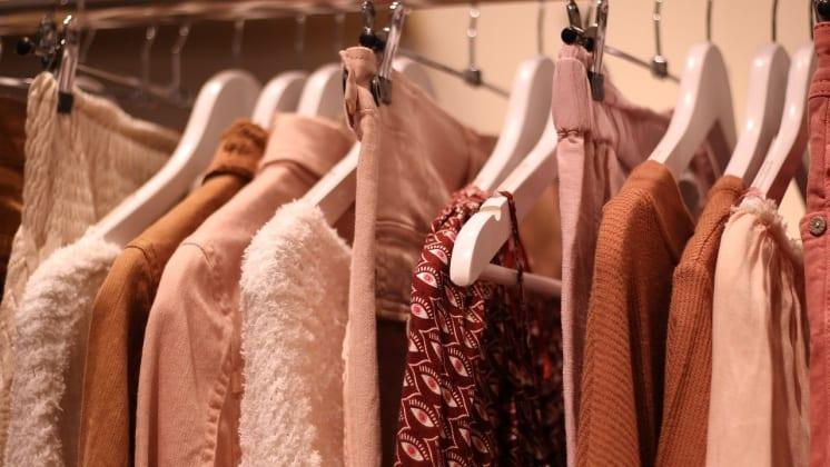 Thumbnail do post Como evitar compras por impulso? Personal shopper pode ajudar