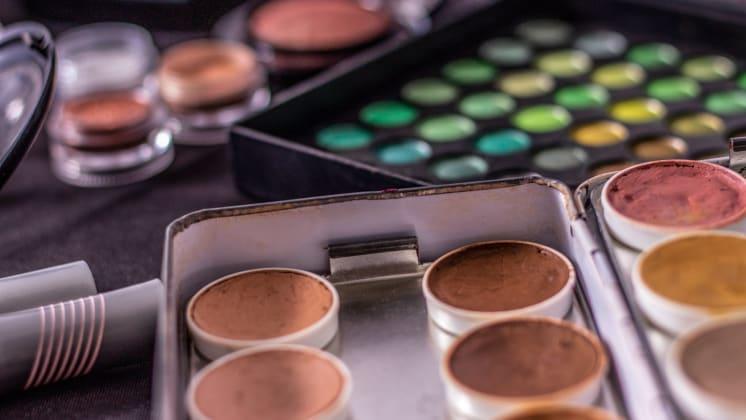 Thumbnail do post Maquiagem para pele negra: dicas de atendimento na coloração pessoal
