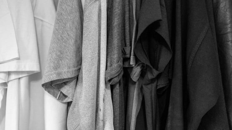 Thumbnail do post Como a moda minimalista pode ajudar na construção da imagem pessoal