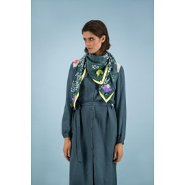 SKY MOUNTAIN Green Embroidered Shawl