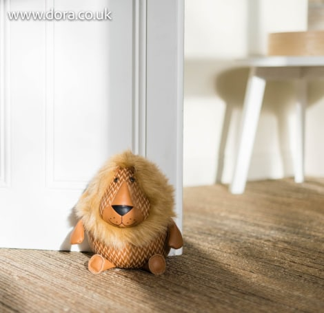 Lion Heavyweight Doorstop Maximillion