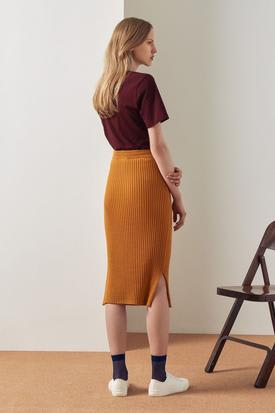 Kowtow Organic Cotton Rib Skirt | Amber