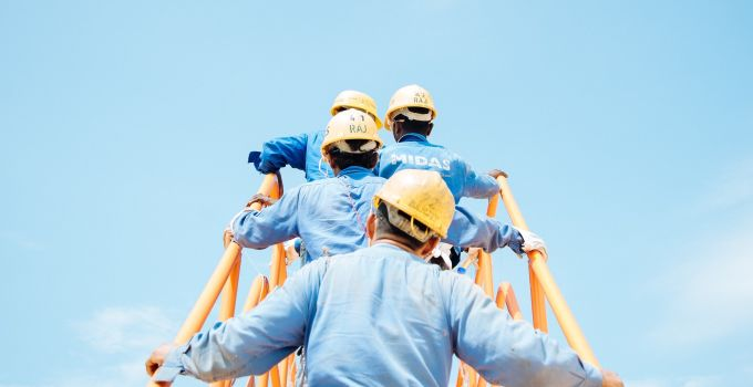 10 Workplace safety training courses